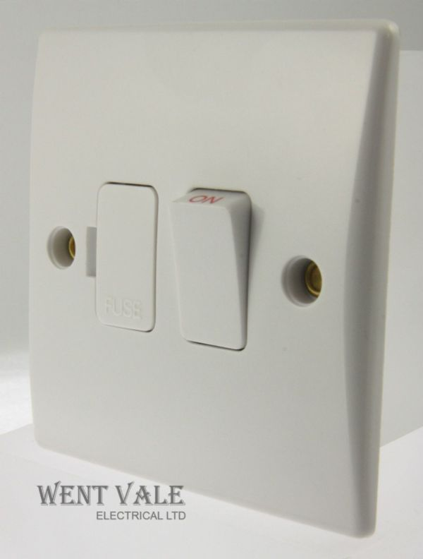 GET Ultimate Slimline - GU5010 - White Moulded 13a Sw Fused Connection Unit New
